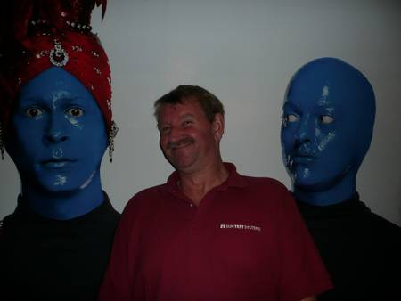 Rob met Blue Man