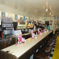 Peggy Sue's 50-s diner