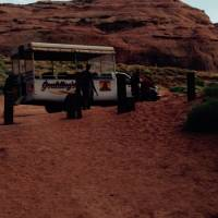 Onze luxe tourbus in Monument Valley