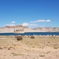Lonely Rock in Lake Powell (Page)